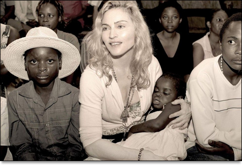 Madonna Adopte Mercy dans I Am Because We Are malawi_510